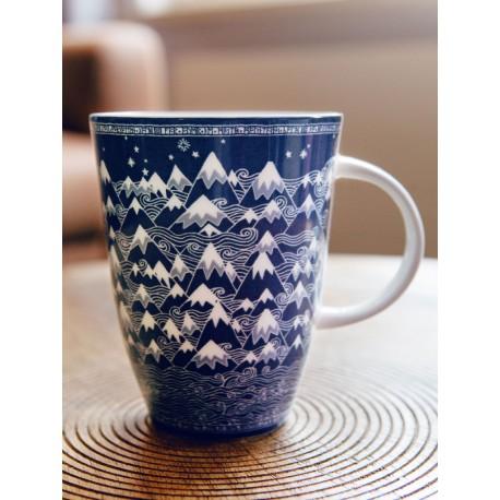 Porcelánový hrnek Misty Mountains Indigo
